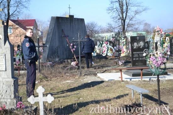 вандали на кладовищі (18)