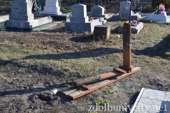 вандали на кладовищі (4)