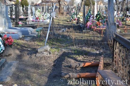вандали на кладовищі (7)