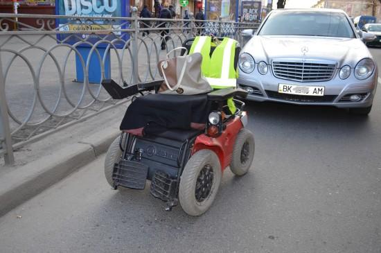 маршрутка збила інваліда (2)