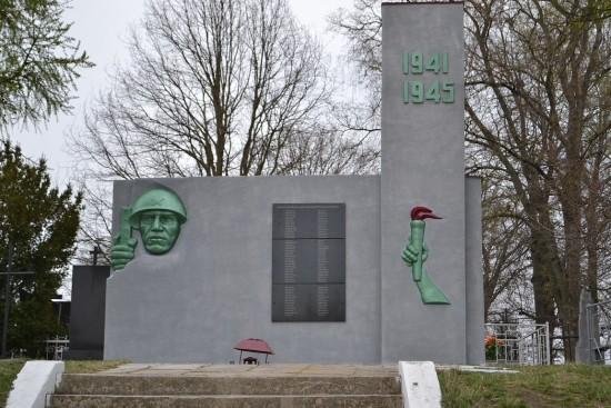 памятник здовбиця (2)