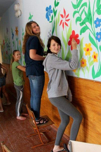розмальована школа у Здолбунові (2)